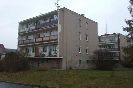 Rekonstrukce bytového domu v Kostelci nad Č. L.
